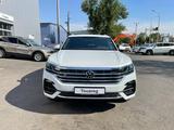 Volkswagen Touareg Business R-line 2021 года за 35 255 000 тг. в Шымкент – фото 2