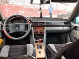 Mercedes-Benz E 230 1990 года за 1 100 000 тг. в Караганда