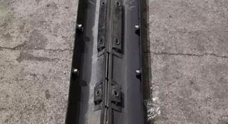 Порог пластиковый на Lexus GS 300 за 1 234 тг. в Алматы