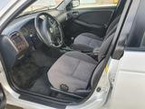 Toyota Avensis 2001 года за 2 600 000 тг. в Кокшетау – фото 3