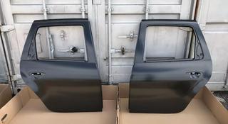 Задние двери Renault Duster за 888 тг. в Караганда