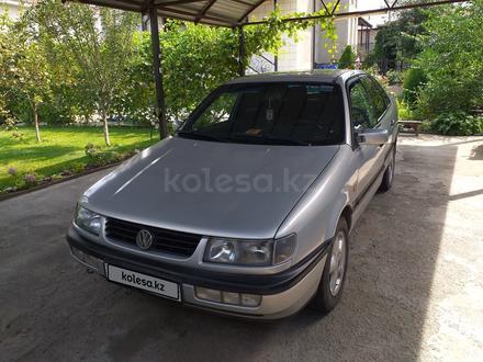 Volkswagen Passat 1994 года за 1 600 000 тг. в Тараз – фото 2
