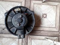 Вентилятор печки на Mitsubishi Carisma (1994-2001 г. В) v1.8 б… за 14 000 тг. в Караганда