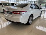 Toyota Camry 2021 года за 15 300 000 тг. в Актобе – фото 3