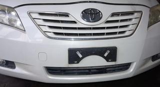 Решетка радиатора Toyota Camry 40 за 777 тг. в Усть-Каменогорск