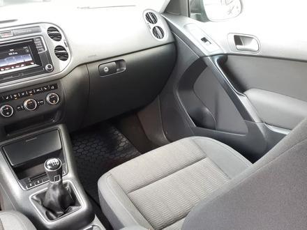 Volkswagen Tiguan 2016 года за 6 200 000 тг. в Костанай – фото 74