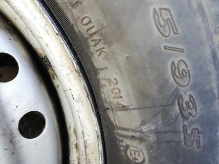 Диск с (резиной) покрышкой на FAW v80. за 10 000 тг. в Нур-Султан (Астана) – фото 6