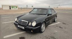 Mercedes-Benz E 320 1998 года за 4 700 000 тг. в Жанаозен