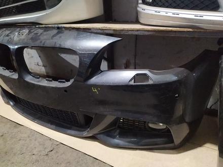 Бампер передний на BMW f10 M дорестайлинг за 190 000 тг. в Алматы – фото 3