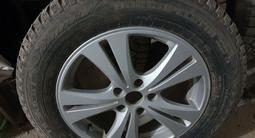 R17 диски с шипованные шины за 165 000 тг. в Кызылорда – фото 2