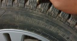 R17 диски с шипованные шины за 165 000 тг. в Кызылорда – фото 3