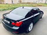 BMW 750 2013 года за 12 000 000 тг. в Атырау – фото 5