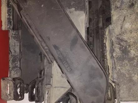 Салазка крепления бампера задняя Lexus GX 460 за 111 тг. в Алматы