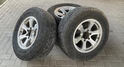 Комплект титаеовых дисков R17 с всесезонной резиной 265/65 за 220 000 тг. в Алматы