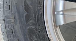 Комплект титаеовых дисков R17 с всесезонной резиной 265/65 за 220 000 тг. в Алматы – фото 3