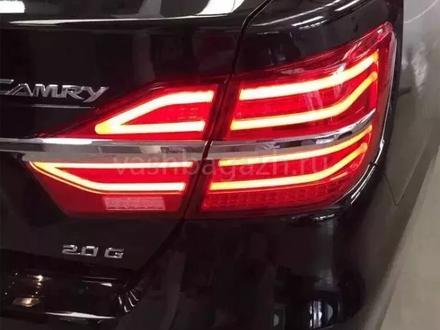 Задние светодиодные фонари на Toyota Camry 55 за 140 000 тг. в Алматы – фото 2