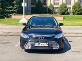 Toyota Camry 2017 года за 10 200 000 тг. в Алматы – фото 4