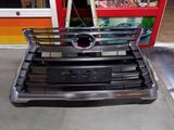 Решетка радиатора лексус LX 570 б/у оригинал за 150 000 тг. в Алматы