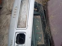 Крышка багажника Ауди А8 за 10 000 тг. в Нур-Султан (Астана)
