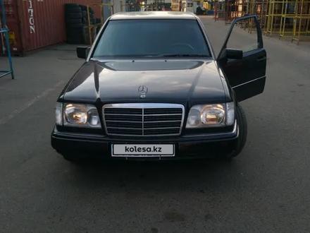 Mercedes-Benz E 220 1994 года за 3 000 000 тг. в Алматы – фото 3