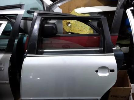 Дверь задняя левая на WV пассат В 5 + универсал за 5 000 тг. в Караганда