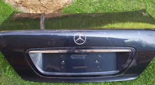Крышка багажника на Mercedes w220 за 50 000 тг. в Алматы