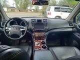 Toyota Highlander 2011 года за 11 500 000 тг. в Семей – фото 5