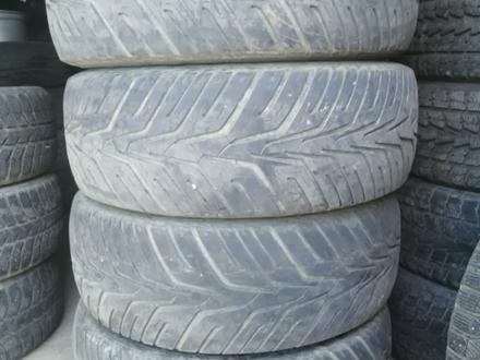 Комплект летней резины с дисками за 190 000 тг. в Алматы