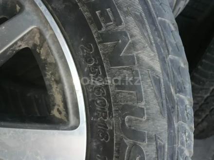 Комплект летней резины с дисками за 190 000 тг. в Алматы – фото 4