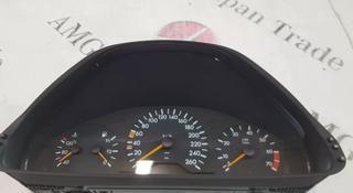 Панель приборов на Mercedes-Benz w210 за 27 587 тг. в Владивосток