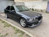BMW 320 1997 года за 1 800 000 тг. в Караганда – фото 3