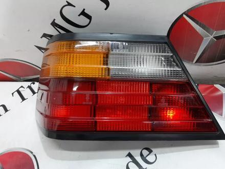 Стоп сигнал на Mercedes-Benz w124 E за 43 151 тг. в Владивосток – фото 6