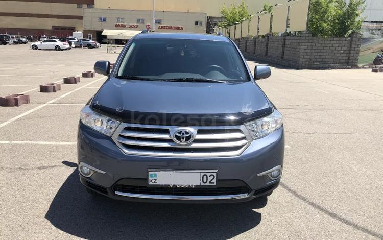 Toyota Highlander 2011 года за 9 800 000 тг. в Алматы