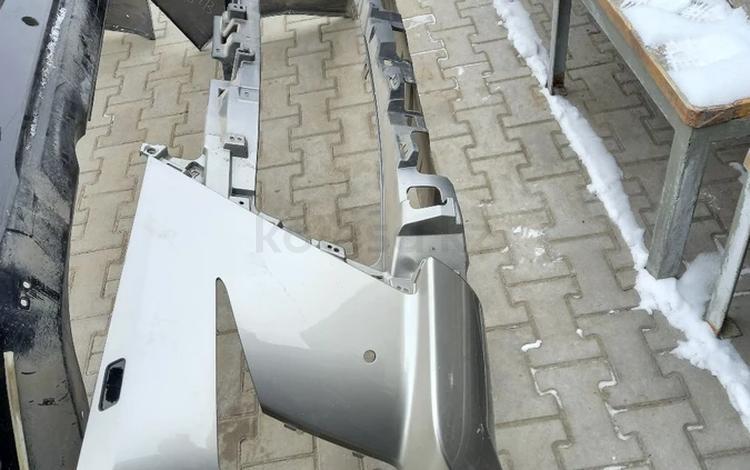 Бампер передний за 75 000 тг. в Алматы
