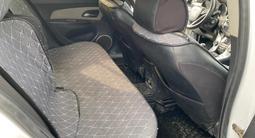Chevrolet Cruze 2013 года за 2 249 800 тг. в Атырау – фото 5