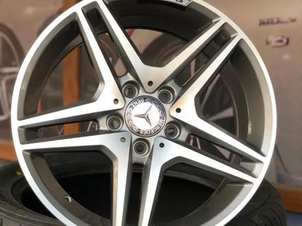 Диски На все модели Mercedes R17 за 150 000 тг. в Алматы