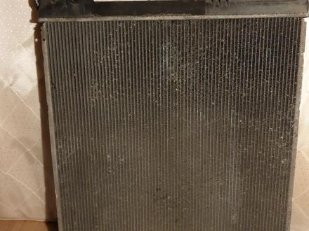 Радиатор охлаждения двигателя на Lexus GX470 за 25 000 тг. в Усть-Каменогорск – фото 2