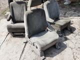 Сидение на грузовые от мазда МПВ за 25 000 тг. в Алматы – фото 3