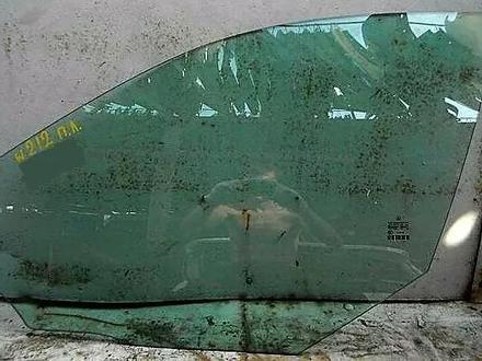 Стекло дверное боковое на мерседес E250 W212 за 3 000 тг. в Алматы