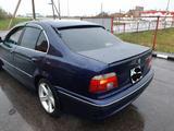 BMW 528 1997 года за 2 600 000 тг. в Караганда – фото 2