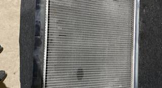 Радиатор охлаждения на лексус-ES300 за 30 000 тг. в Алматы