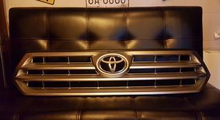 Решетка радиатора на Toyota Highlander (07-13) за 40 000 тг. в Алматы