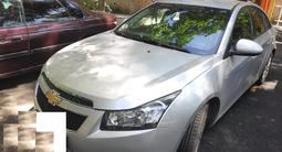 Chevrolet Cruze 2011 года за 3 500 000 тг. в Алматы – фото 2