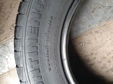 Пару всесезонные шины размер 235 65 17 Continental за 15 000 тг. в Алматы – фото 3