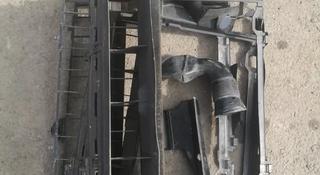 Пластик вокруг радиаторов (кассета) W 210 за 8 000 тг. в Алматы