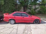 BMW 318 1992 года за 800 000 тг. в Шымкент – фото 2
