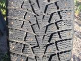 Шины зимние шипованные на легкосплавных дисках за 160 000 тг. в Темиртау – фото 2