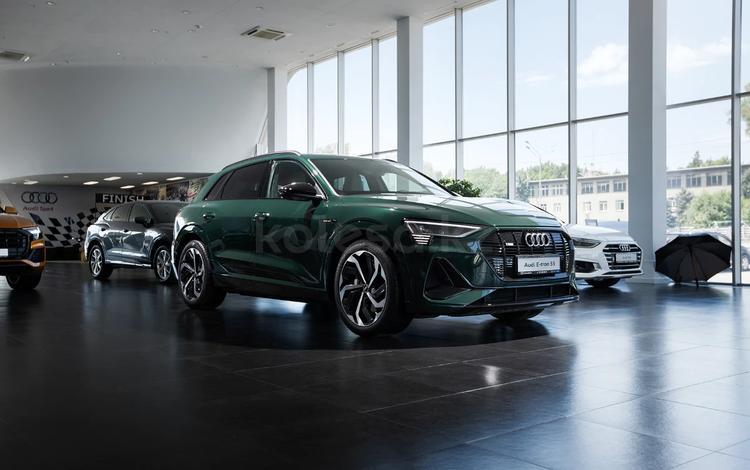 Audi e-tron 55 Quattro 2021 года за 58 400 000 тг. в Алматы
