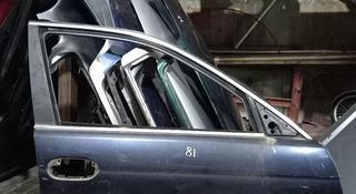 Дверь передняя правая БМВ Е 39 за 10 000 тг. в Караганда