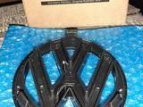 Эмблема решётки VW Polo 09 — 14 год. Дорестайлинг за 8 000 тг. в Караганда – фото 2
